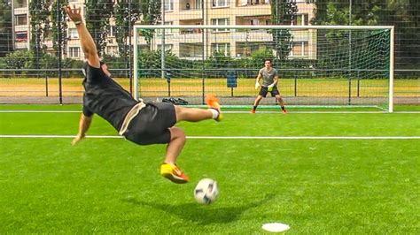 138,551 likes · 2,538 talking about this. BEST OF FUßBALL CHALLENGE - BROTATOS - YouTube