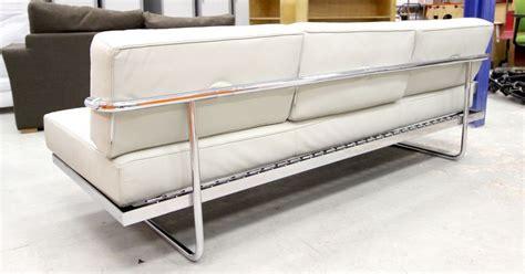 le corbusier canapé le corbusier edition cassina canape modele lc5 a pietement