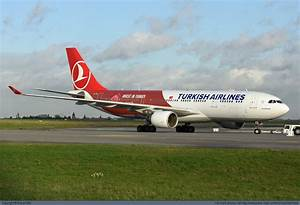 Photo 53900 - Turkish Airlines Airbus A330-200 TC-JIZ at ...
