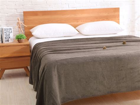 9 Best Flannel Bed Sheets Reviews