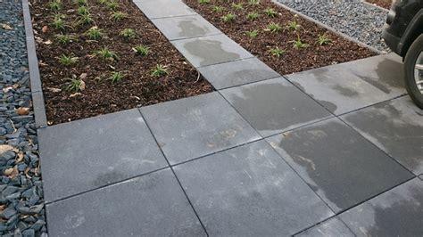 pflastersteine verfugen splitt waschbetonplatten verlegen splitt terrassenplatten verlegen auf splitt mm39 hitoiro