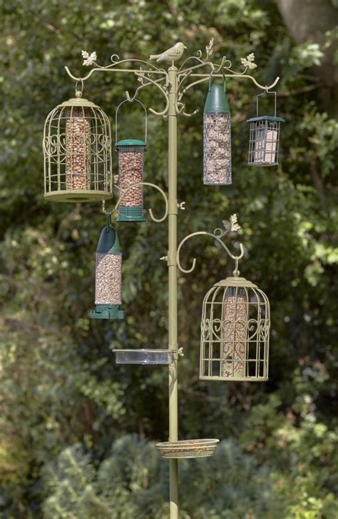 peckish complete  seasons dining station  wild birds