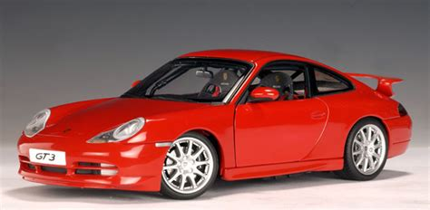 Autoart Porsche 911 Gt3 (996)  Red (77811) In 118 Scale