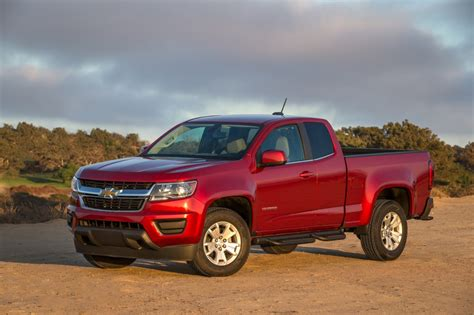 General Motors Stops Selling 2015 Chevrolet Colorado, 2015