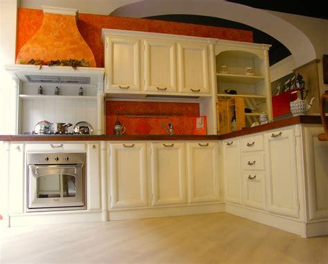 cucine legno massello prezzi cucina artigianale modello amelia in legno massello