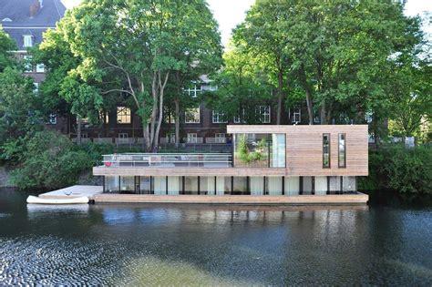 modern floating homes modern lakeside  oceanfront