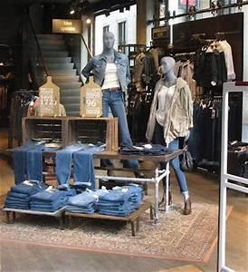Best 25+ Denim display ideas on Pinterest | Jeans store Denim window display and Retail wall ...