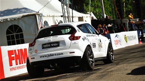 nissan juke  beats bugatti veyron  ferrari  gto