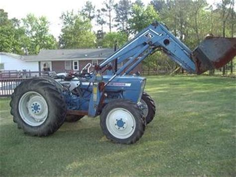 68 ford 4000 4x4 w loader tractorshed