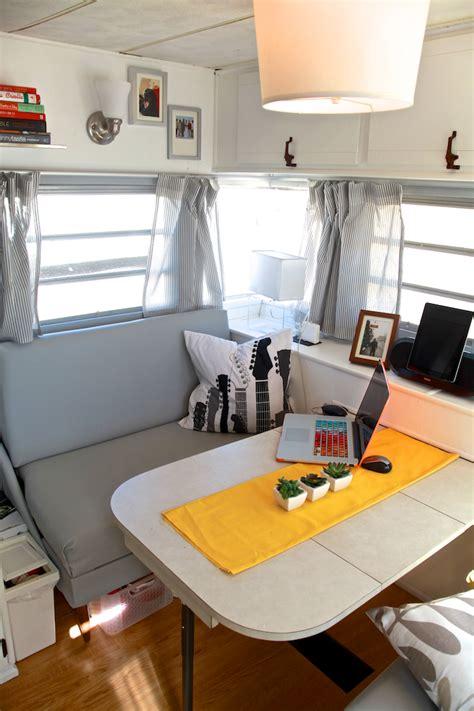 Decorating Ideas Vintage Travel Trailer by Cozy Vintage Cer Renovation Mobile Home Living
