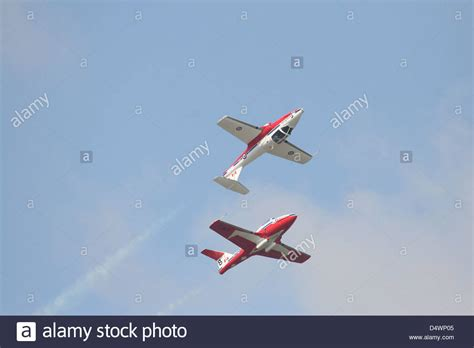 The Snowbirds 431 Air Demonstration Squadron of the Royal ...