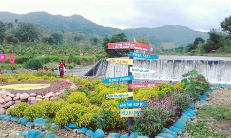 Destinasi wisata bendungan karangkates berada di desa karangkates, kecamatan sumberpucung, kabupaten malang. Harga Tiket Masuk Wisata Bendungan Dam Rejo (BDR ...