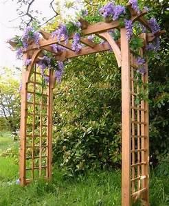 Gartengestaltung Mit Holz : coole gartengestaltung mit rosenbogen blickpunkt im garten ~ One.caynefoto.club Haus und Dekorationen