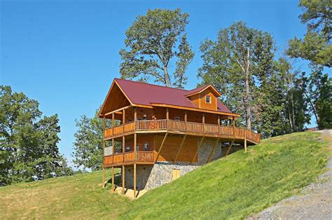 Cabin Rentals Near Sevierville Tn by Vacation Rental Near Pigeon Forge Rocky Retreat Cabin