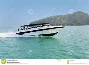 Vitesse De Croisière : bateau de vitesse de croisi re en mer d 39 andaman tha lande photo stock image 66705689 ~ Medecine-chirurgie-esthetiques.com Avis de Voitures