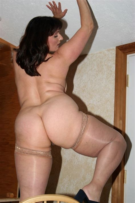 Cougar Reba From United States A Peek Up My Skirt Pt2