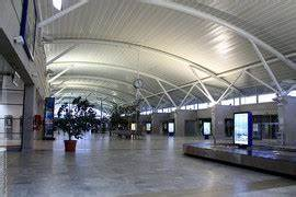 Hertz Aeroport Nice : location utilitaire figari a roport ~ Medecine-chirurgie-esthetiques.com Avis de Voitures