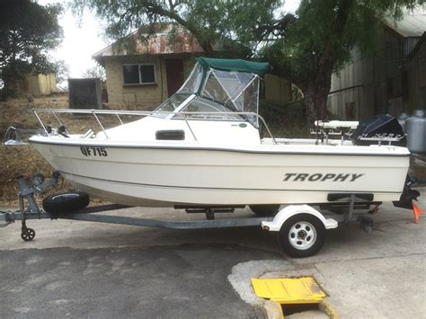 Trophy Boats Models by 2003 Bayliner 1802 Trophy Walkaround 20th Anniversary