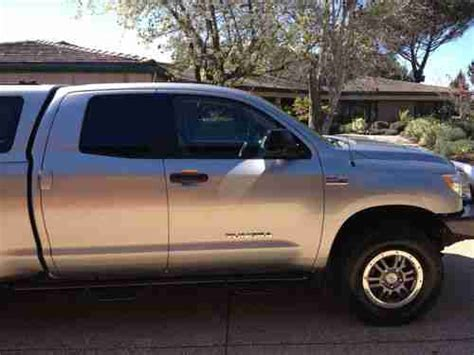 sell   toyota tundra base extended crew cab pickup