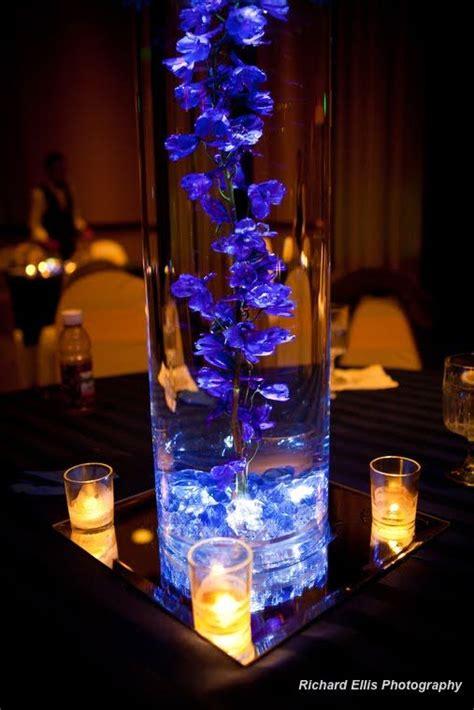 pretty    vase uplit