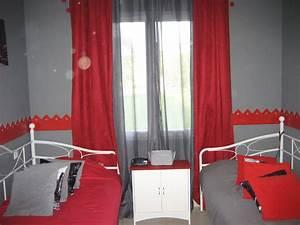 chambre mur gris et rouge With chambre gris et rouge