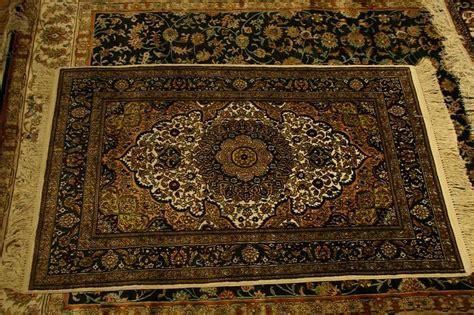 pulire tappeto come pulire i tappeti in modo naturale idee green