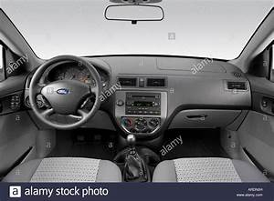 2007 Ford Focus Ses In Red