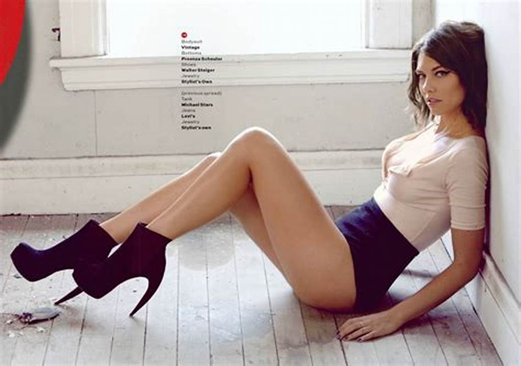 #The #Walking #Dead'S #Lauren #Cohan #Does #A #Sexy #Maxim #Photo