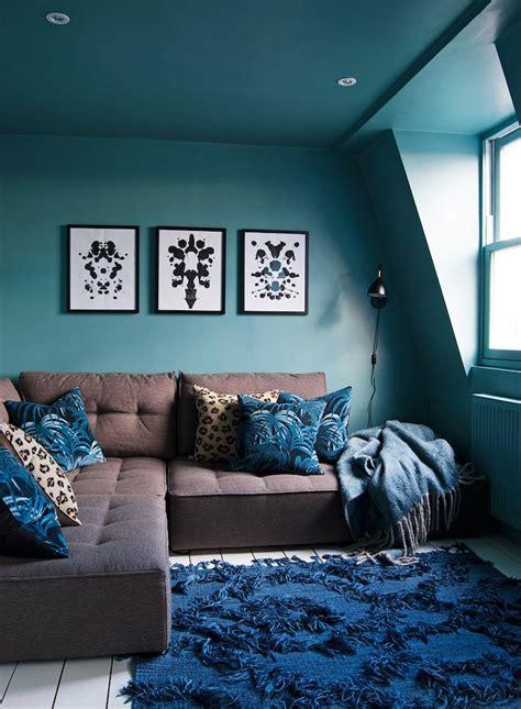 Mur Bleu Canard 1001 Id 233 Es D 233 Co Salon Bleu Canard Paon P 233 Trole Du Goudron Et Des Plumes