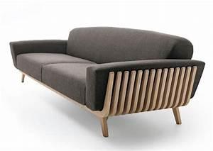 Sofa Mit Holzrahmen : sofa mit holzrahmen f r wartezimmer idfdesign ~ Frokenaadalensverden.com Haus und Dekorationen