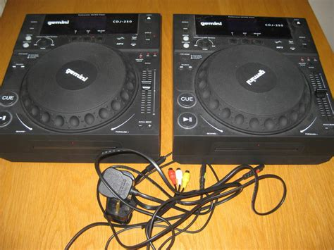 2 X Gemini Cdj250 Cdmp3record Media Player Tabletop Dj