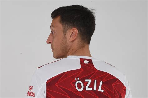 Mesut Ozil to Fenerbahce? Arsenal outcast 'agrees Turkey ...