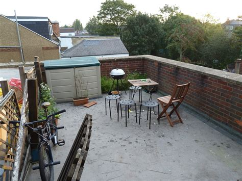 fit fence  flat roof  waterproofing fencing job