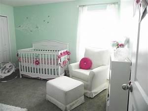 chambre bebe fille en nuances de vert inspirantes With chambre couleur vert d eau