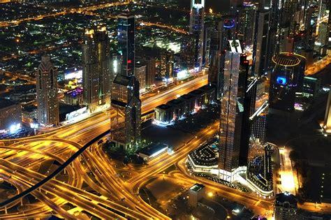10 Photos of Dubai at Night from Burj Khalifa's At the Top ...