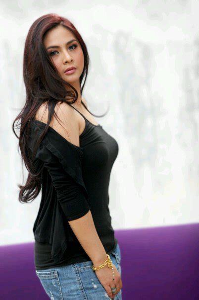 Koleksi Foto Audy With Sexy Black Tank Top Foto Sexy