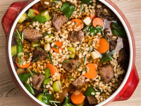 ❮ ❯ celebrating an irish easter: Irish Stew With Lamb And Guinness Recipe - Genius Kitchen