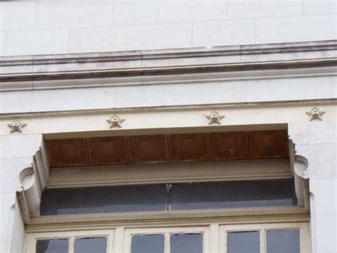 pigeonnier bureau ecole caserne bureau des anciens combattant tours