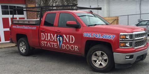 contact   emergency garage door repairs replace