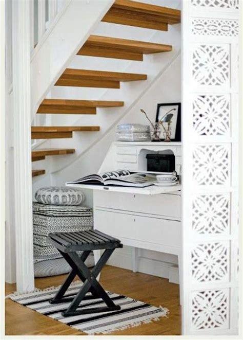 si鑒e bureau 12 superbes idées pour aménager un bureau en dessous de l 39 escalier bricobistro
