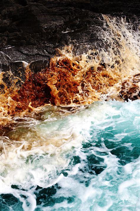 Dramatic Ocean Waves Crash  Fubiz Media