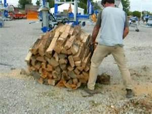 Poids D Une Stère De Bois : coupe d 39 un fagot de bois youtube ~ Carolinahurricanesstore.com Idées de Décoration