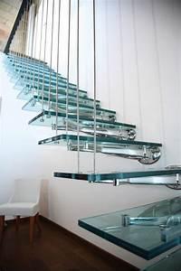 Support Verre Suspendu : escalier suspendu de design moderne en 55 exemples supers home pinterest escalier suspendu ~ Teatrodelosmanantiales.com Idées de Décoration