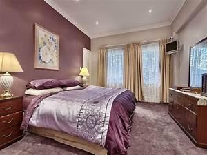 Romantic bedroom design idea with carpet sash windows for Bedroom carpet colours