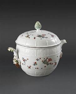 Pot A Couvert : grand pot oille rond couvert meissen xviii me si cle vers 1740 alain r truong ~ Teatrodelosmanantiales.com Idées de Décoration