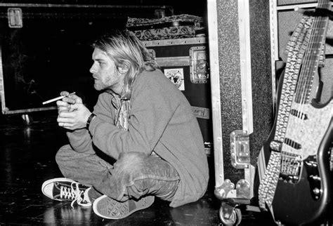 kurt cobain kevin mazur photographer years later nirvana remembers music stone rolling milwaukee