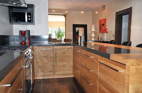cuisine moderne en bois cuisine équipée en bois cuisine en image