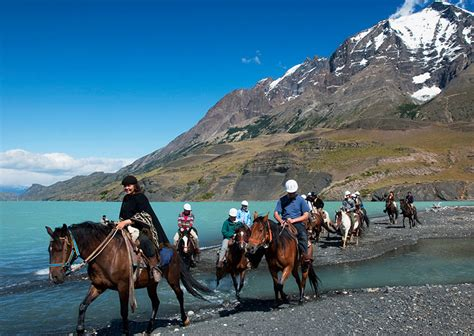 del torres paine horse national park chile patagonien riding nationalpark vacation