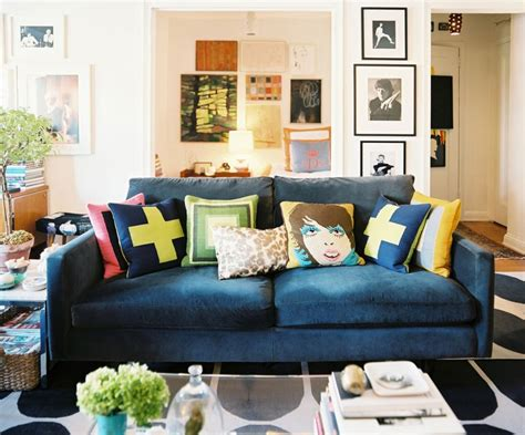 couches  pop    traditional spaces