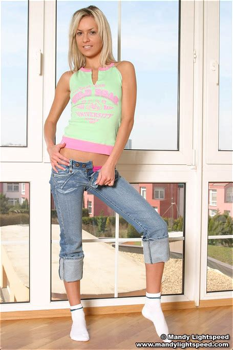 Blonde Cutie In Her Tight Jeans Does A Teasing Set Xbabe
